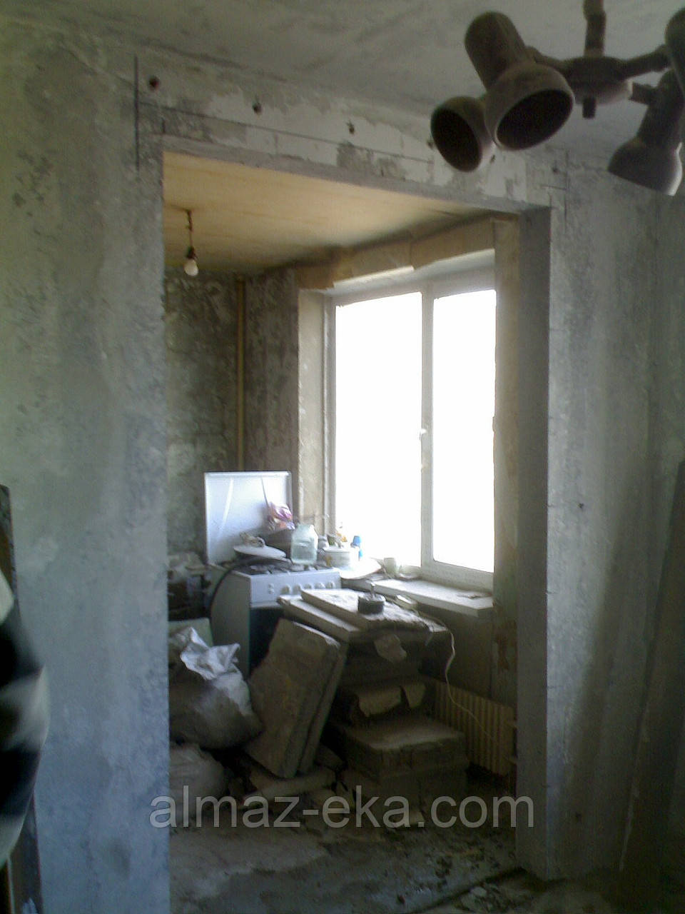 Резка проемов без пыли,выходы на балкон,сантехкабины,штробы