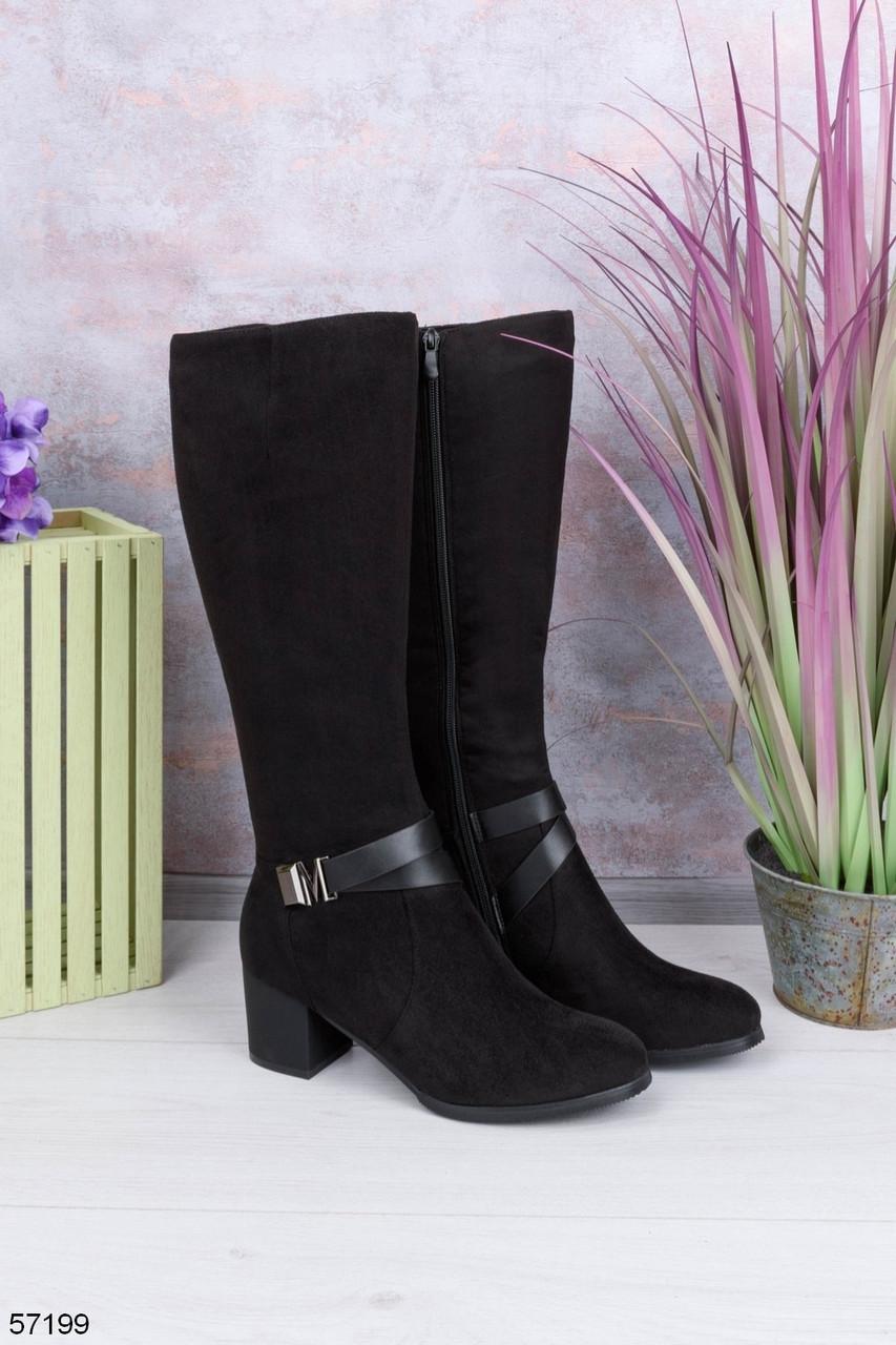 Женские черные сапоги ДЕМИ на каблуке 6 см с ремешком эко- замш