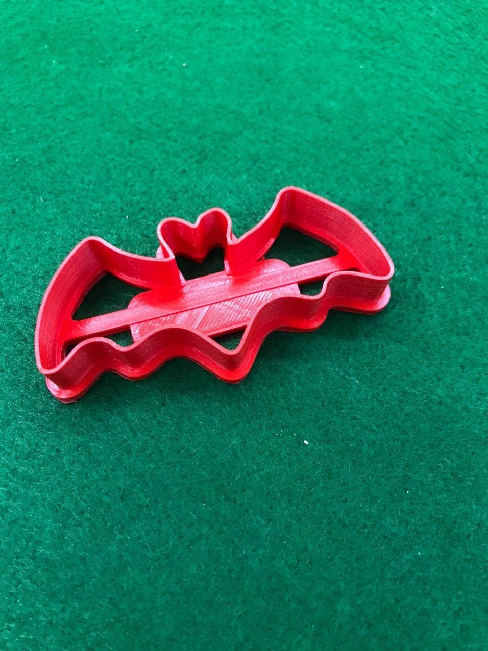 Висічка для пряників у вигляді кажана та павучка до св. Хеллоуіну