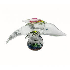 Дельфін на кулі кришталевий (6х4х4 см)