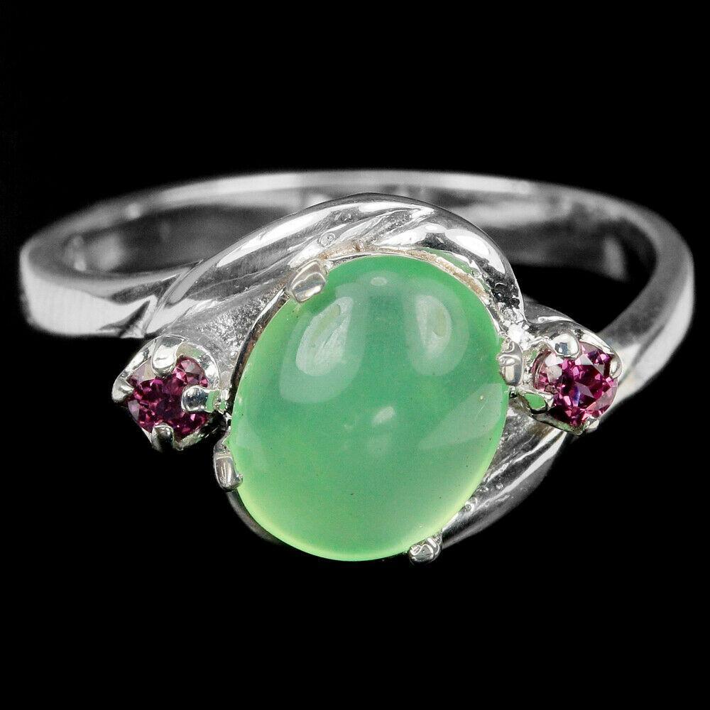 Серебряное кольцо с пренитом, 9*7 мм., 1536КП