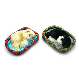 Кошеня на килимку (14х12х3 см)