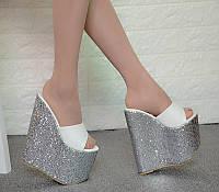 Туфли на очень высоком каблуке 17 см, пайетки на танкетке, блестки, 19 см, hate sky high, черные, с мягкой поверхностью, пряжка для ремня, красивые