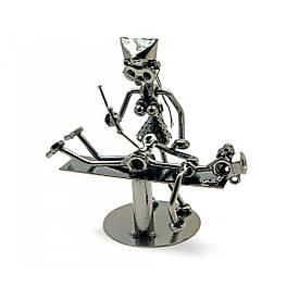 "Техно-арт ""Леді доктор"" метал (19 х 19 х,5х10 см)"