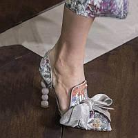 Весенне-летняя подиумная обувь 2020 г., новые туфли на полом каблуке с принтом и бантом, женская кожаная обувь на каблуке с жемчугом в европейском и