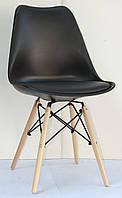 Черный стул с мягким сиденьем и деревянными ножками Milan-B - стильное дизайнерское решение для кафе, баров