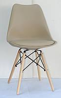 Стул с мягким сиденьем, пластиковой спинкой и деревянными ножками бежевого цвета Milan-B