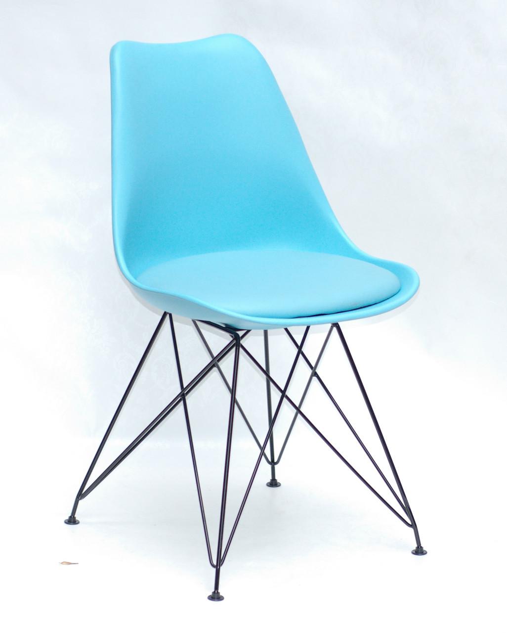 Блакитний стілець на чорних металевих ніжках Milan BK-ML з пластиковою спинкою і м'яким сидінням з подушкою