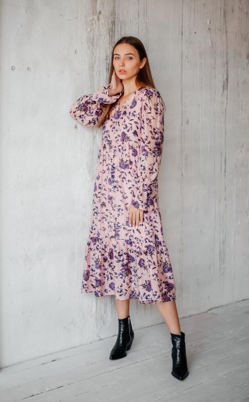 Романтическое женское платье длиной миди