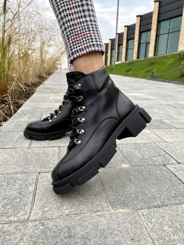 Стильные женские ботинки кожаные зимние черные U Spirit