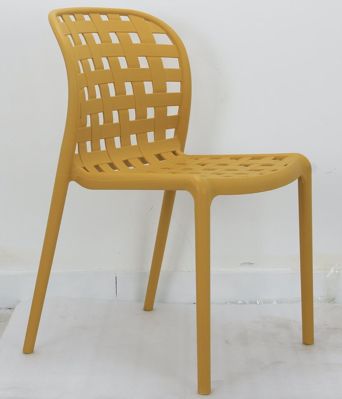 Стілець пластиковий суцільнолитий жовтого кольору Gari для громадських місць, кафе, відкритих майданчиків, дач