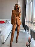 Женский брючный классический костюм-тройка: пиджак, жилет и брюки (в расцветках), фото 2