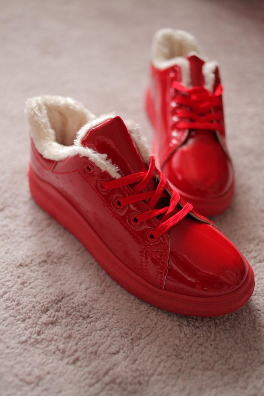 Женские кроссовки красные лаковые утепленные на меху 37 41 размера