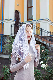 Белый кружевной платок женский на голову красивый церковный Петуния с длинной бахромой