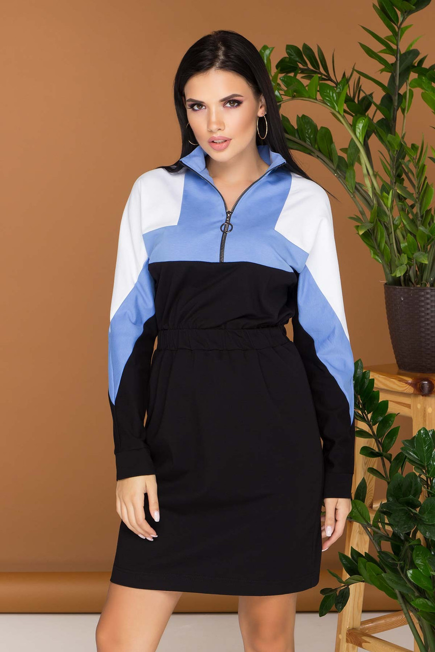 Трикотажное платье в спортивном стиле голубое повседневное