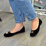 Туфли женские черные замшевые, декорированы металлическим бантиком, фото 9