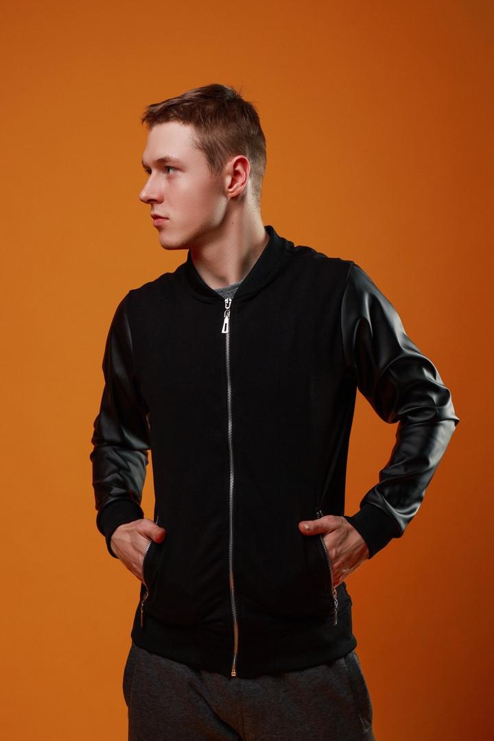 Мужской черный короткий бомбер с рукавами из кожи осень.Мужская черная ветровка демисезонная куртка