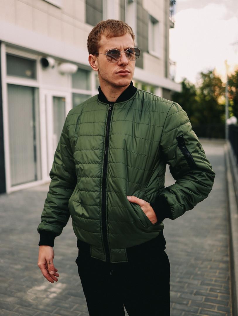 Мужская короткая стеганая куртка зеленая с манжетами без капюшона осень/весна.Мужская зеленая ветровка бомбер