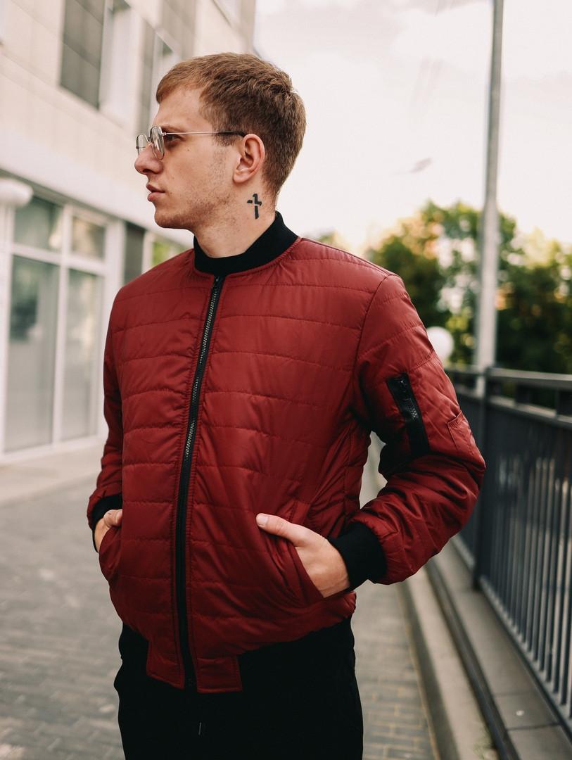 Мужская короткая стеганая куртка красная с манжетами без капюшона осень/весна.Мужская красная ветровка бомбер