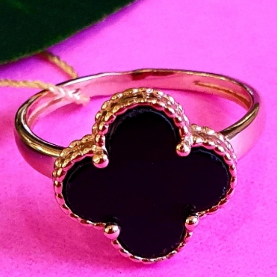 Золотое кольцо клевер с ониксом - Кольцо из золота  клевер с ониксом