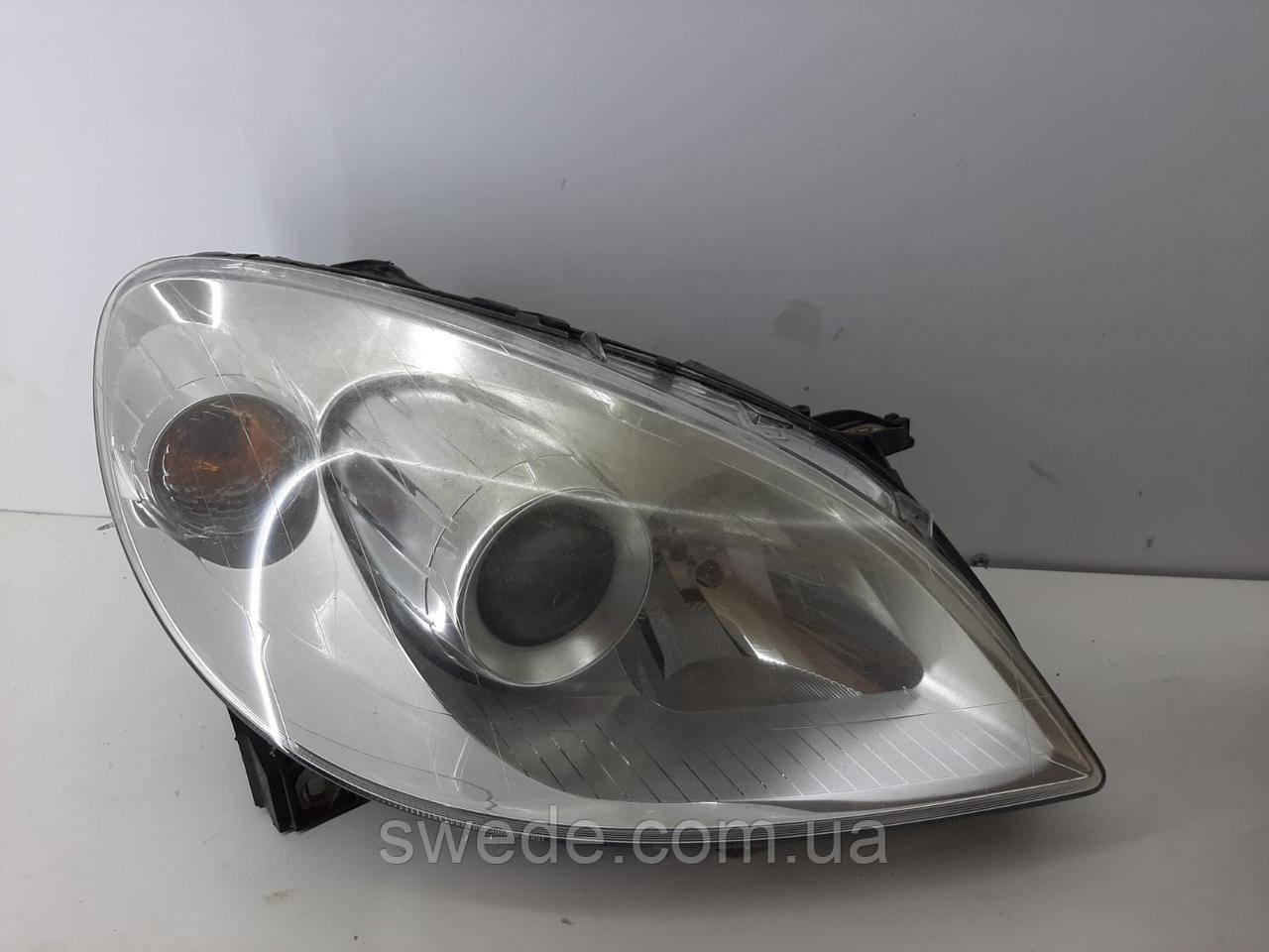 Фара правая Mercedes W245 2005-2012 гг A1698201861