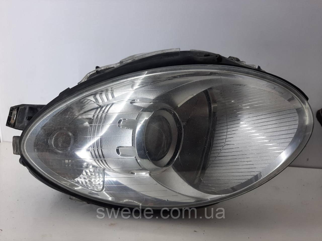 Фара правая Mercedes W251 2005-2013 гг A2518260291