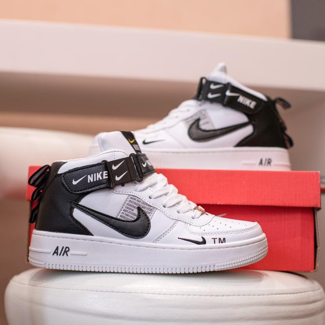 Nike Air Force 1 Mid LV8  Женские осенние черно-белые кожаные кроссовки. Женские кроссовки на шнурках