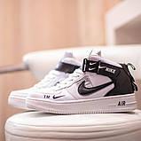 Nike Air Force 1 Mid LV8  Женские осенние черно-белые кожаные кроссовки. Женские кроссовки на шнурках, фото 4