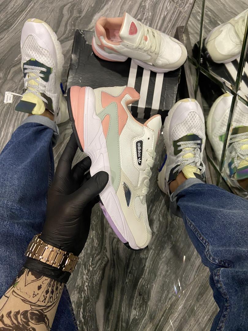 Adidas Falcon Жіночі літні білі текстильні кросівки. Жіночі кросівки на шнурках
