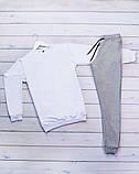 Mужской белый спортивный костюм без капюшона демисезонный. Свитшот белый штаны черные осень/весна, фото 2