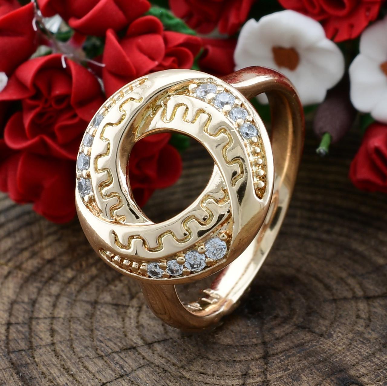 Кольцо Xuping 15229 размер 18 ширина 14 мм вес 3.6 г белые фианиты позолота 18К