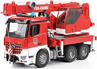 Большой пожарный автомобиль Bruder MB Arocs с краном (свет и звук), М1:16 (03675)