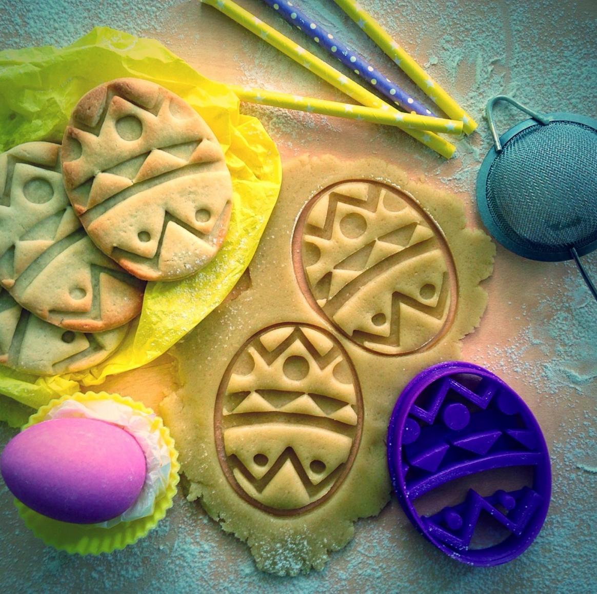 Висічка для пряників із зображенням пасхального яйця