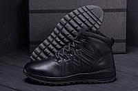 Мужские кожаные сапоги черного цвета на шнуровке