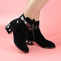 Ботинки женские замшевые черные с лаковыми вставками на каблуке с жемчугом MORENTO (весна-осень)
