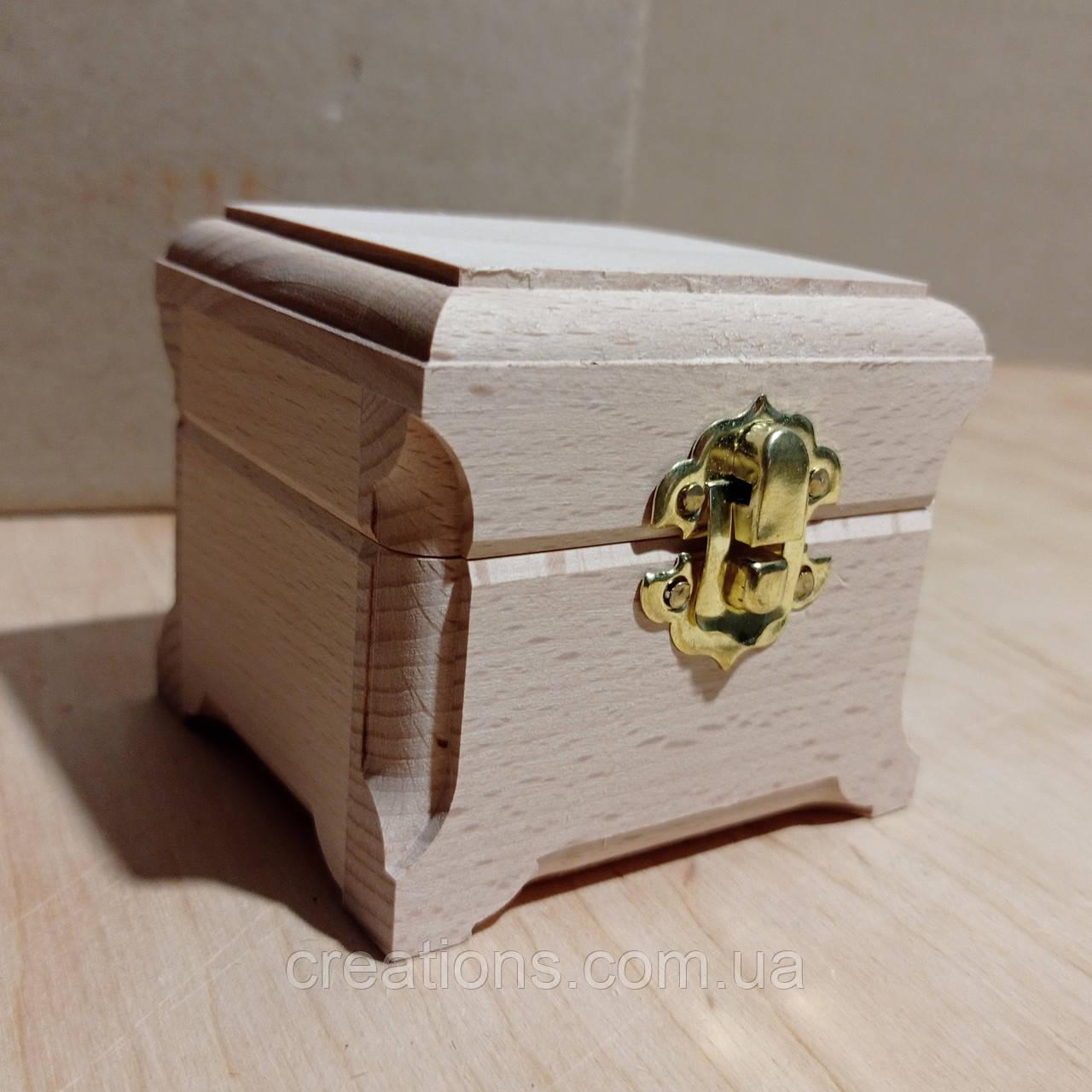 Дерев'яна заготовка для декупажу скринька 8х7.5х7 см з оксамитом