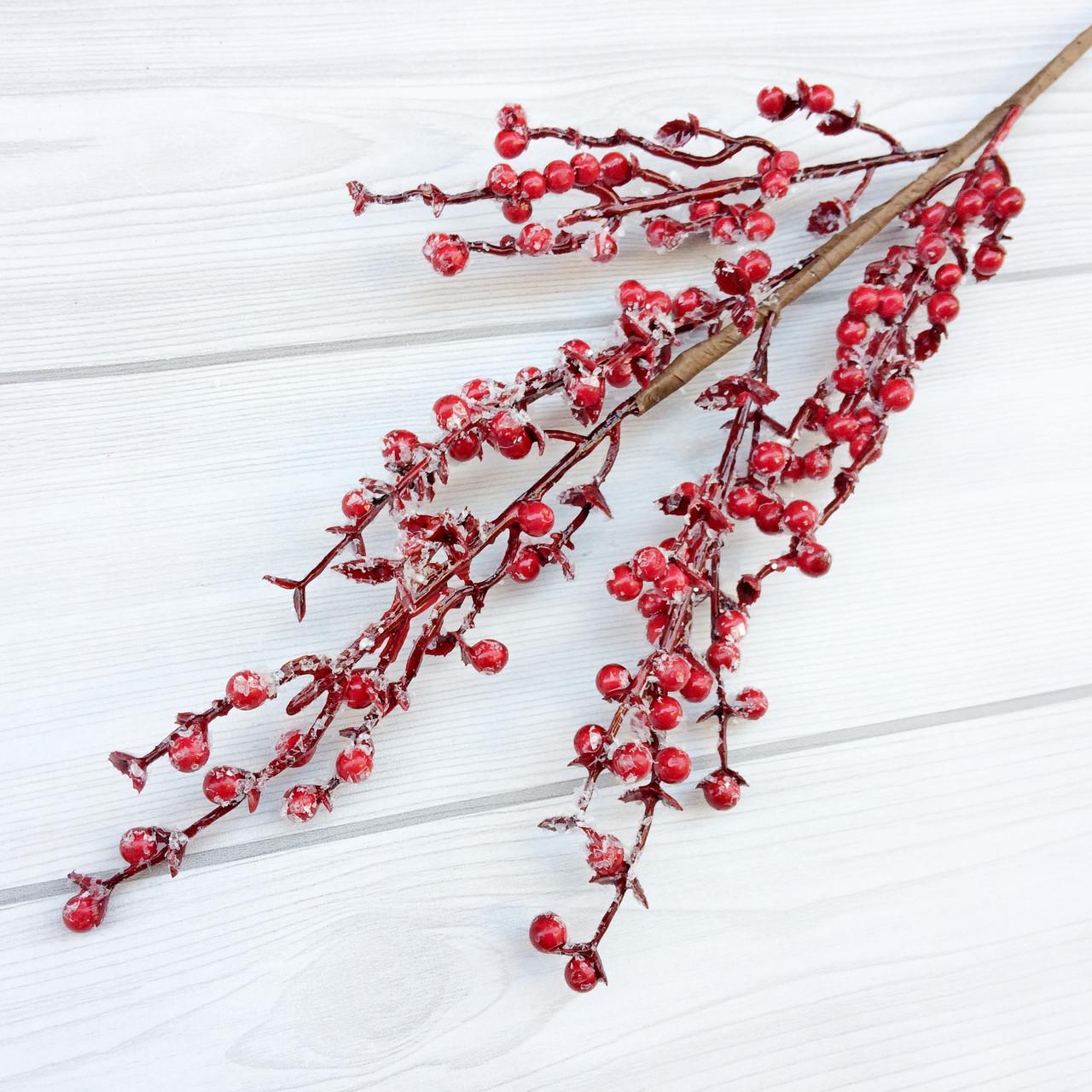 Ветка красных ягод обледеневших 40 см