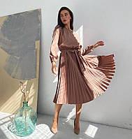 """Женское платье, ткань:ткань: Супер-софт """"Версаче""""однотонное,юбка в платье имеет форму """"полусолнце"""".(42-46), фото 1"""
