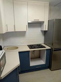 Небольшая угловая кухня_фото 2.jpg