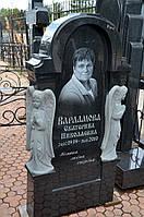 Памятник из гранита с двумя ангелочками