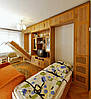 Стенка для гостинной со встроенными кроватями
