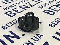 Скоба замка капота Mercedes W212/W204/C207 A2128800060