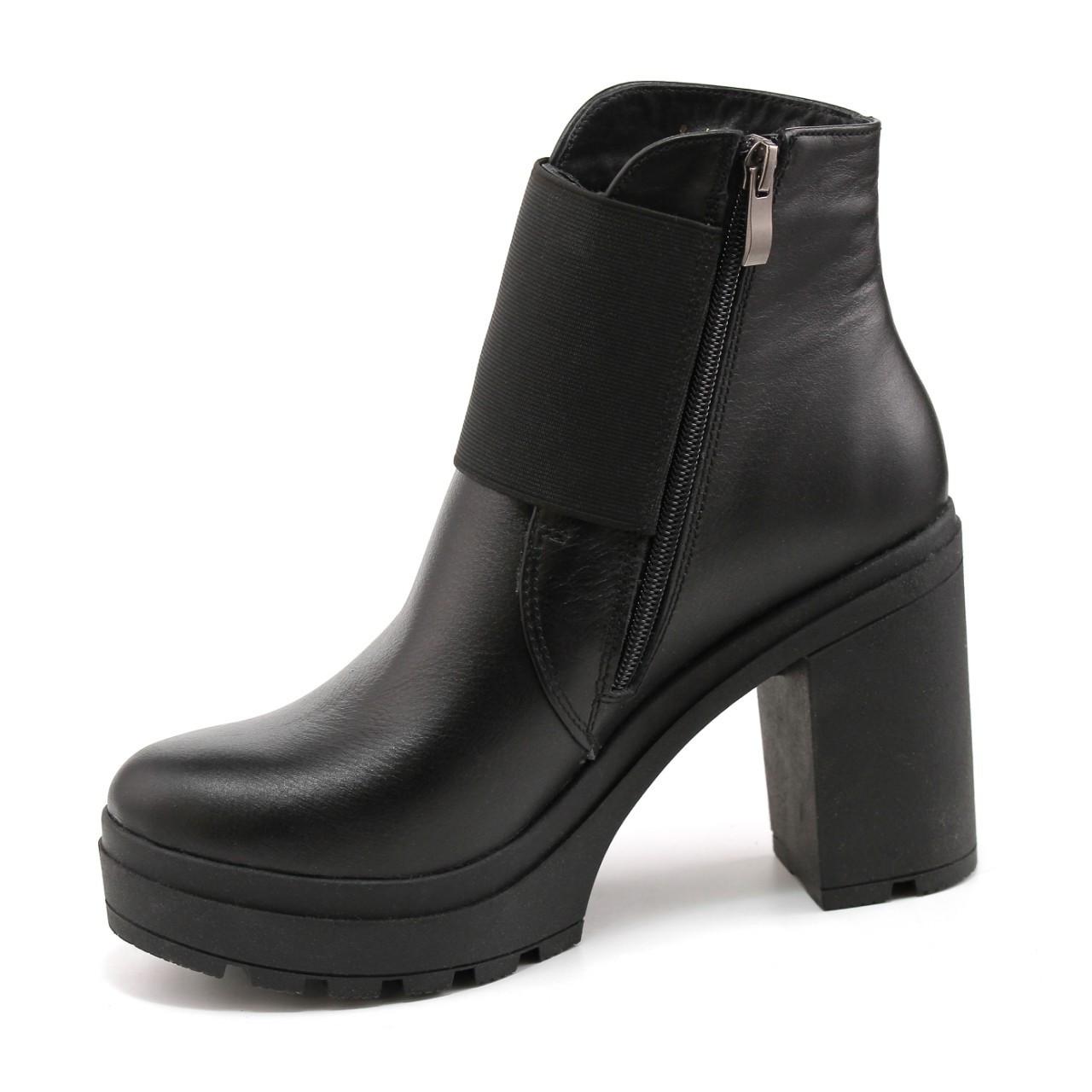 Демисезонные черные ботинки из натуральной кожи  39, 41