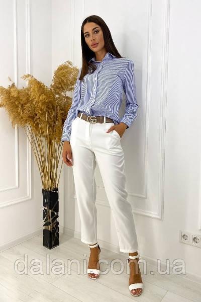 Брючный женский бело-голубой костюм с рубашкой в полоску