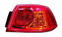 Фонарь задний внешни правый красный MITSUBISHI LANCER 214-19A9R-UE