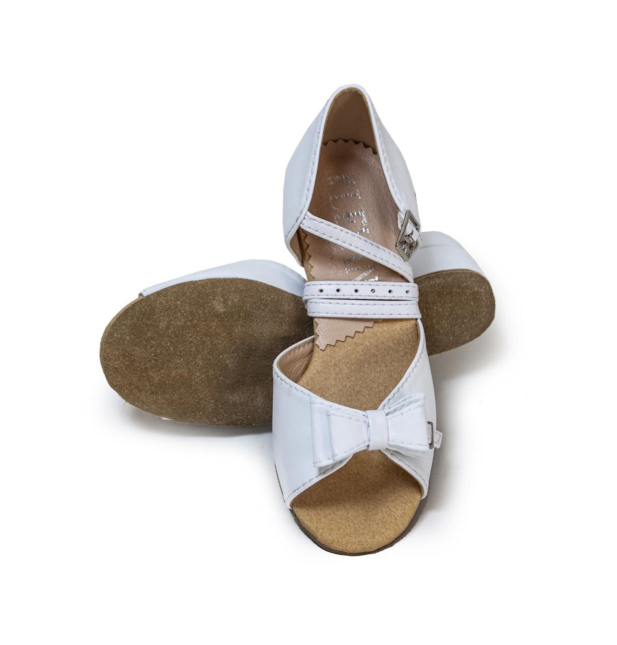 Туфли детские для бальных танцев с бантиком  Levant 7000/3 Белый