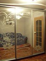 """Шкаф-купе """"Ксения"""" с зеркалами на три двери."""