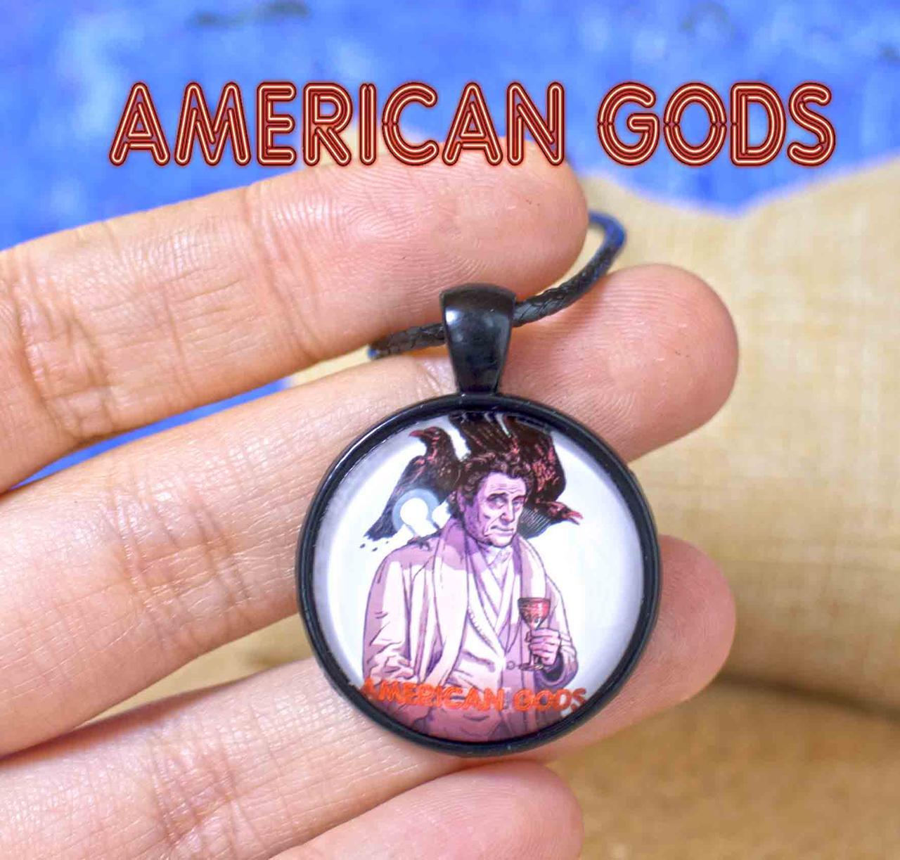 Кулон Американские боги / American Gods с  мистером Среда  воронами