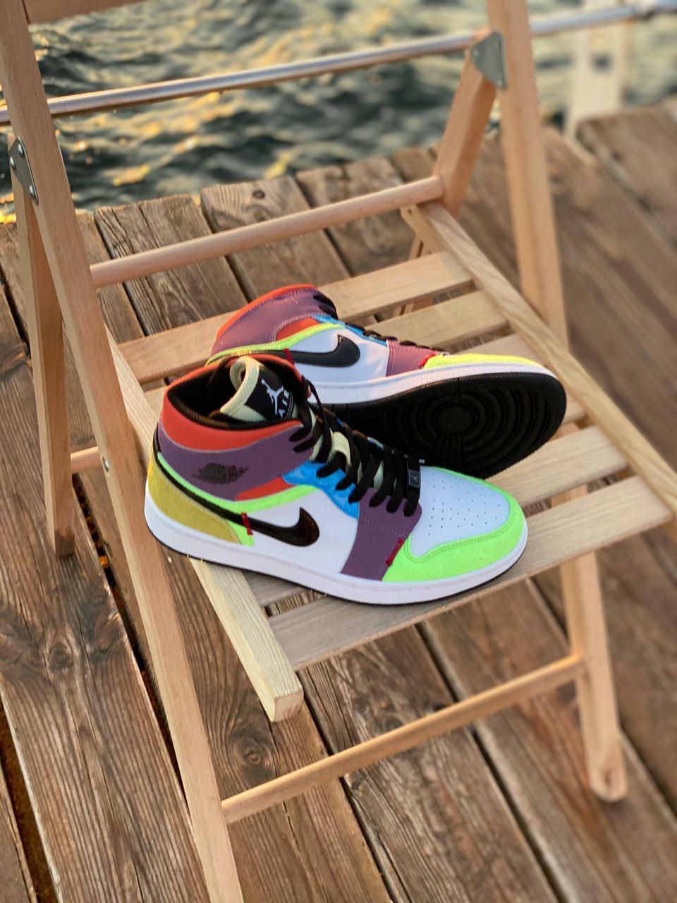 Жіночі кросівки Air Jordan Retro 1 Multicolor