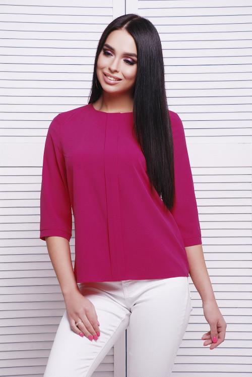 Модная женская блузка малиновая